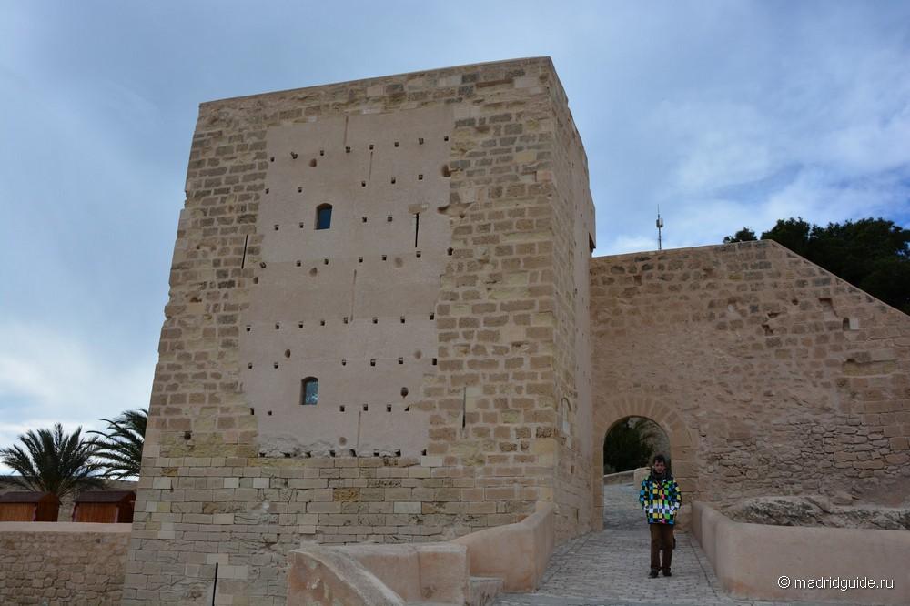 Крепость Санта-Барбара