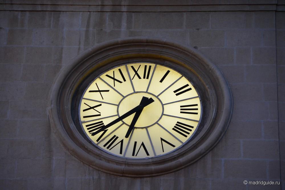 Часы на главной башне