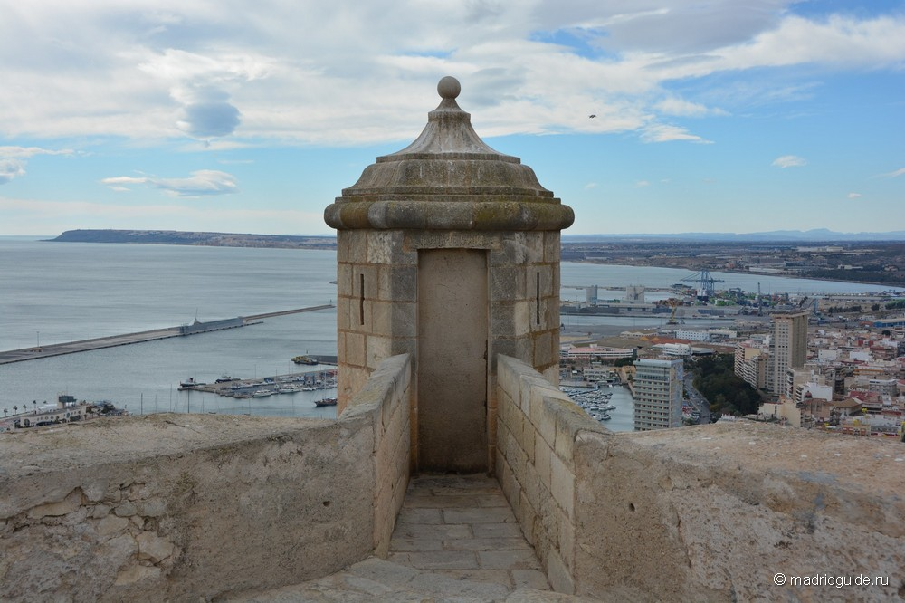 Крепость Санта-Барбара в Аликанте